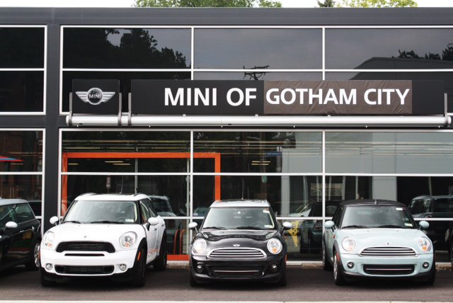 Mini Of Gotham City Comes To Pittsburgh