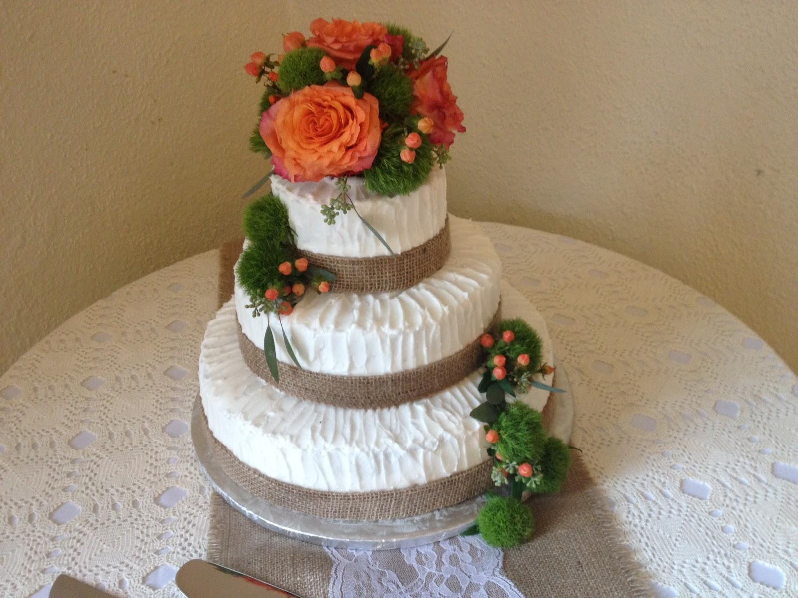 Ribbon Wedding Cake With Burlap