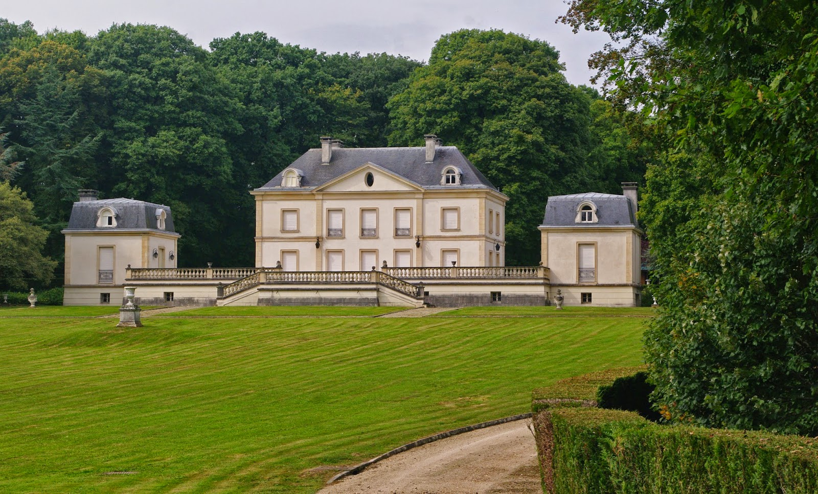 Charmes m connus du hurepoix a la d couverte du dourdannais bonchamp et s - Villiers le bacle chateau ...