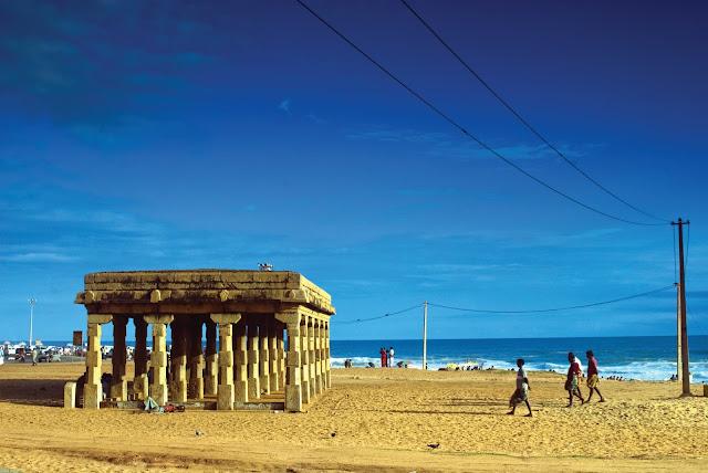 mandapam_at_shangumugham_beach_Kerala