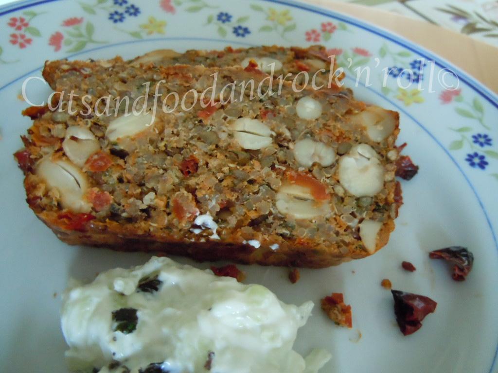 Polpettone libanese di quinoa e lenticchie con salsa - Cucina in simpatia ...