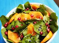 Salada de Agrião com Caqui e Romã (vegana)
