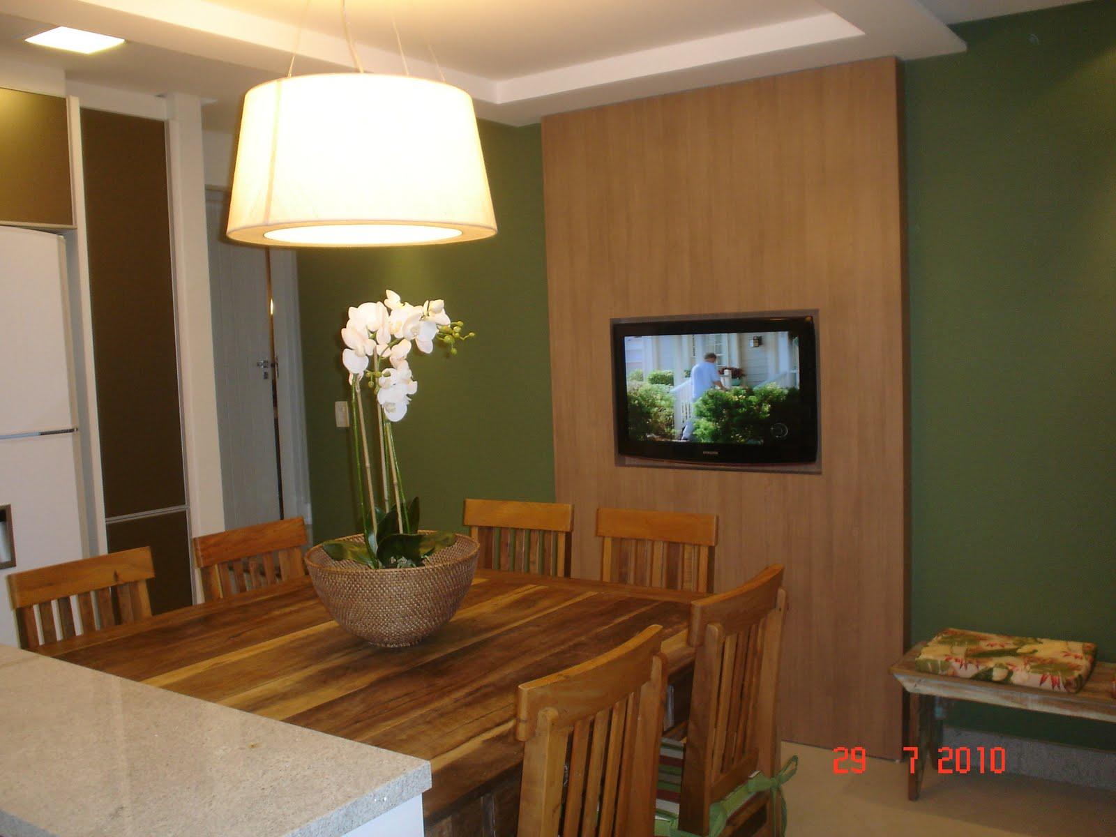 Destaque para o banco de madeira referência nas casas do interior. #6C4320 1600x1200