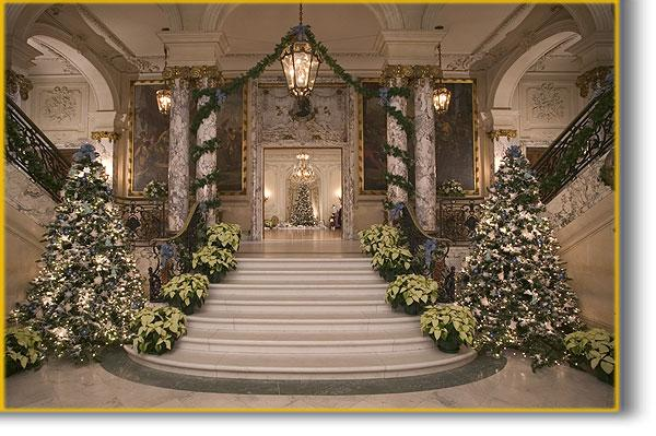The sassy countess historic estates and grand lifestyles for Christmas interior house decorations