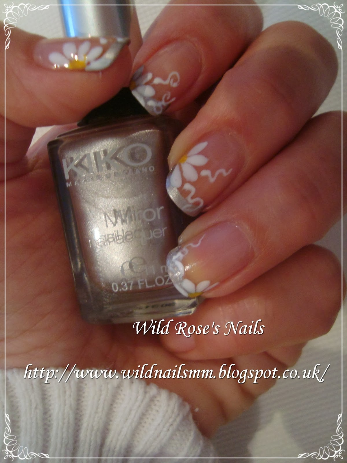 Wild Rose's Nails: French & Daisies
