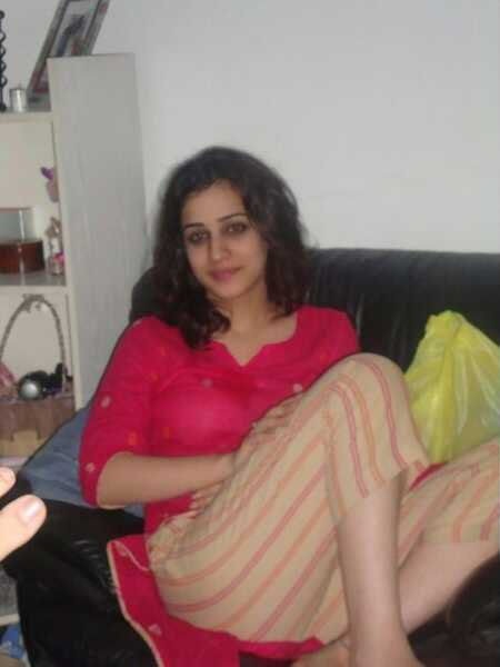 Beautiful indian girls private solo stills of hot indian for Indian hot house