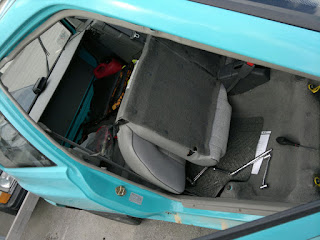 If i also remove the back seat, then I just need to level the whole thing out! Pörfekt!