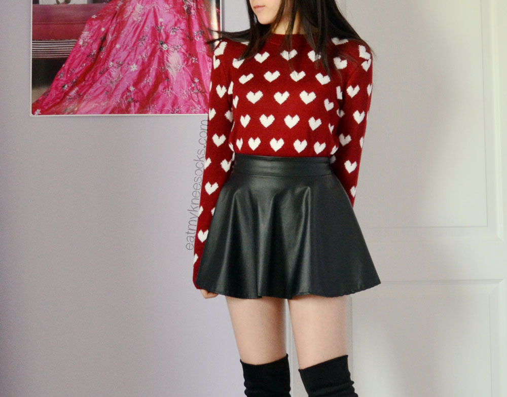 Front view of the ulzzang-style wine red heart sweater from Sweetbox Store.