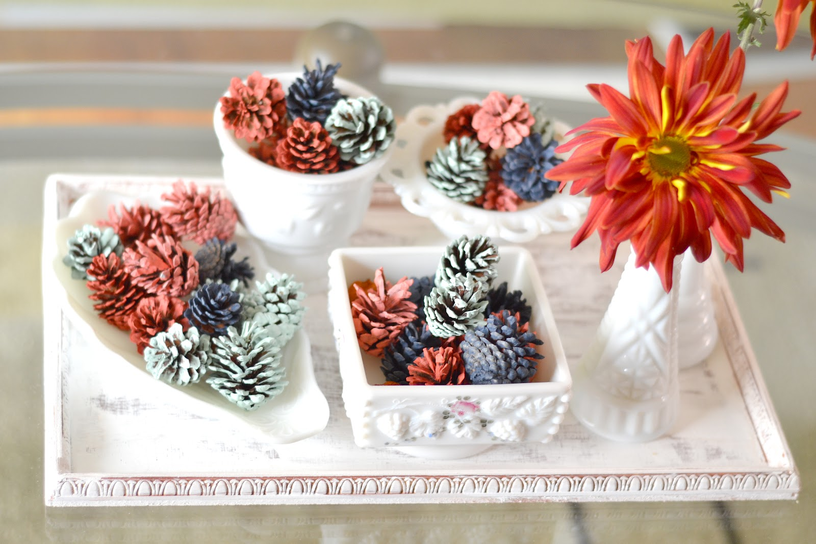 curiositaellya fall decor hand painted pine cones diy. Black Bedroom Furniture Sets. Home Design Ideas