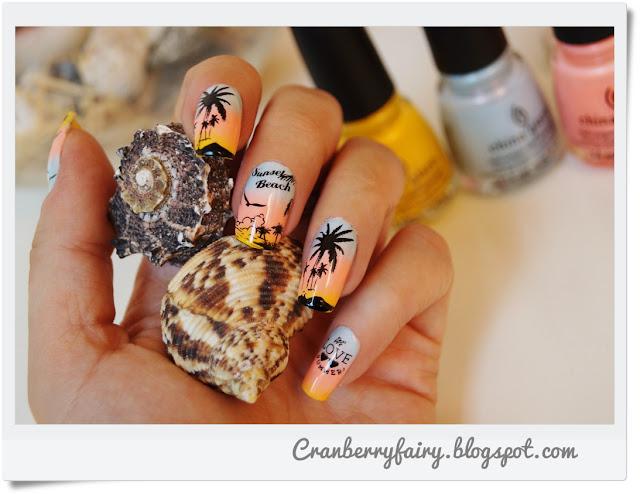 palmy na paznokciach
