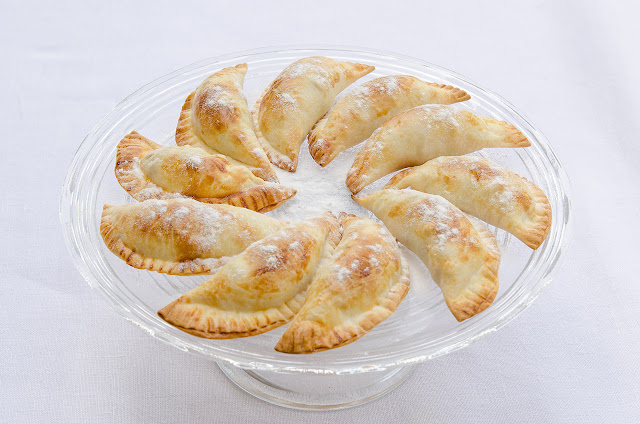 empanadillas-dulces-con-fruta-receta-postre-merienda-bruja