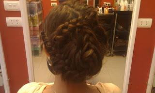 Khóa [D] Trang điểm [E] Bới tóc cô dâu chuyên nghiệp