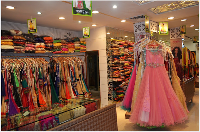 If you also know some best shopping places in Delhi, please don't ...