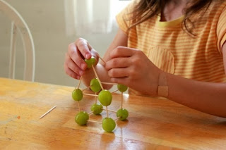 Átomos de uvas para Nochevieja en Recicla Inventa