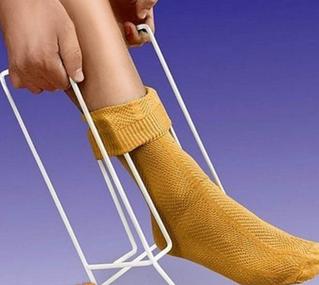 alat pasang stokin kaki