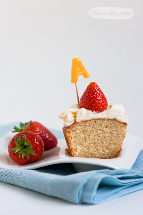 receta de savarin con nata y fresas