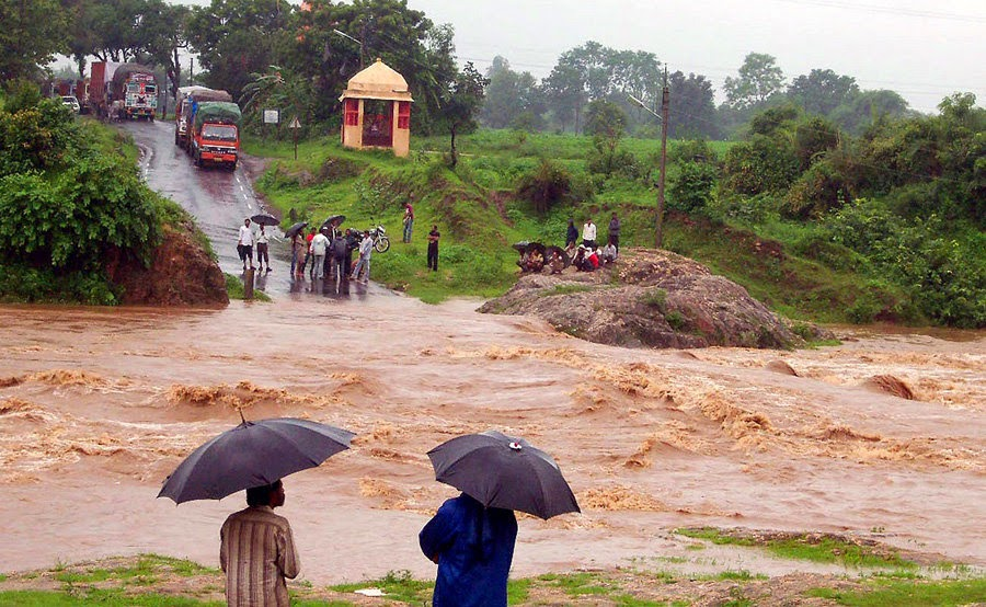 Essay On Flood in Hindi Images