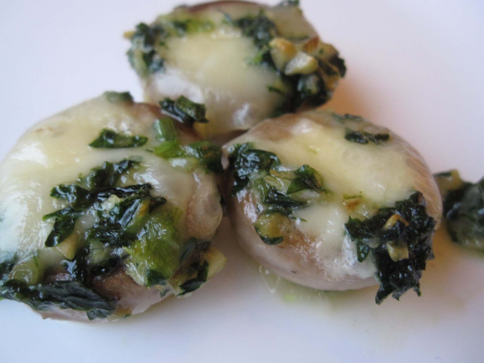 Fanksgiving: Mushrooms stuffed with Brie