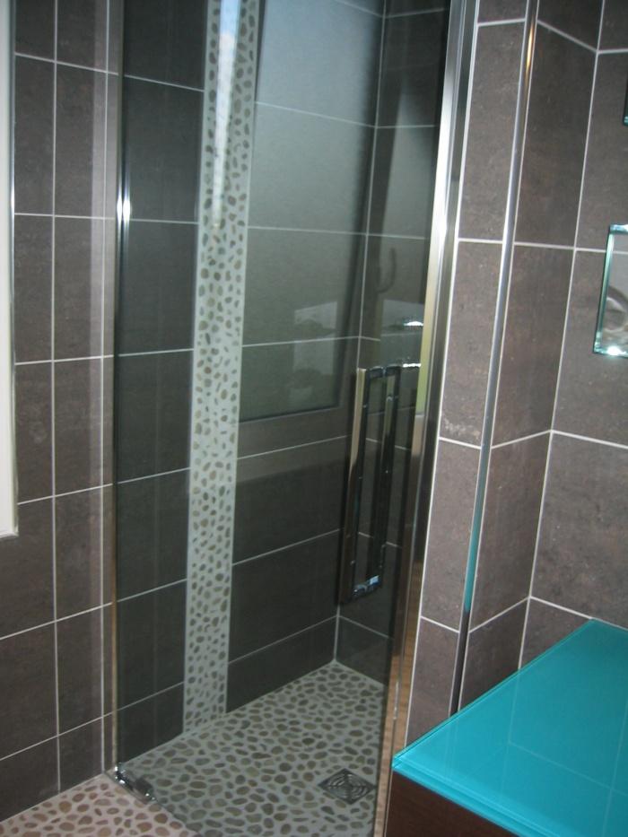 meubles de salle de bains pour un rv refaire sa salle de. Black Bedroom Furniture Sets. Home Design Ideas