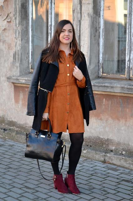 stylizacja na jesień, modne płaszcze na zime 2015, zamszowa sukienka, zamsz, burgundowe botki, botki an słupku, merg, vixen fashion blog