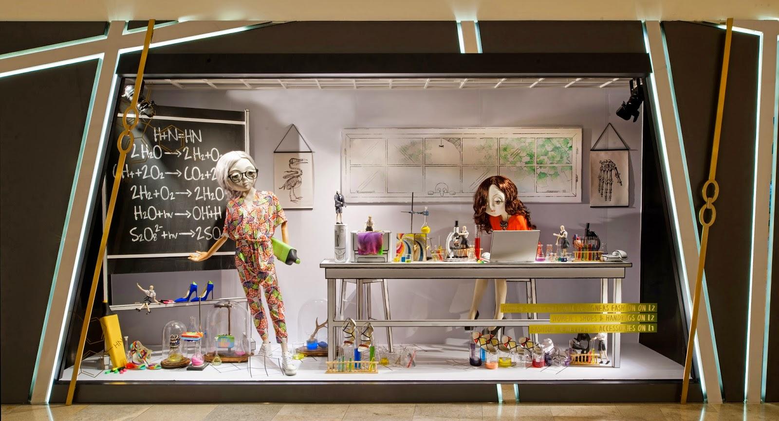 Hong Kong Fashion Geek: Harvey Nichols The Dolls Window Display