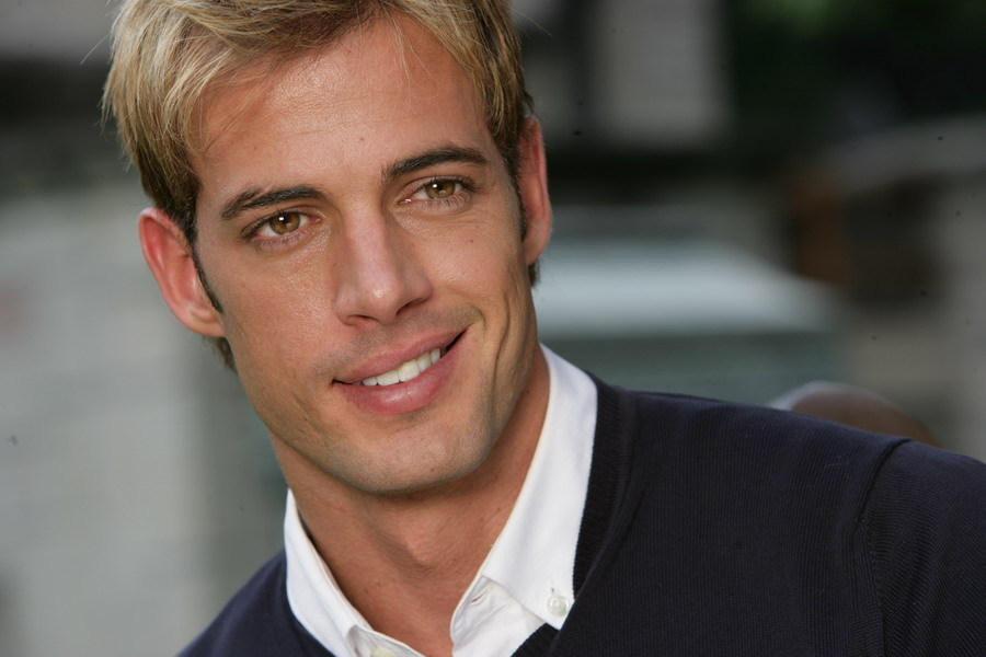 """William Levy, o João Miguel de """"Cuidado com o Anjo"""", faz diretor ..."""