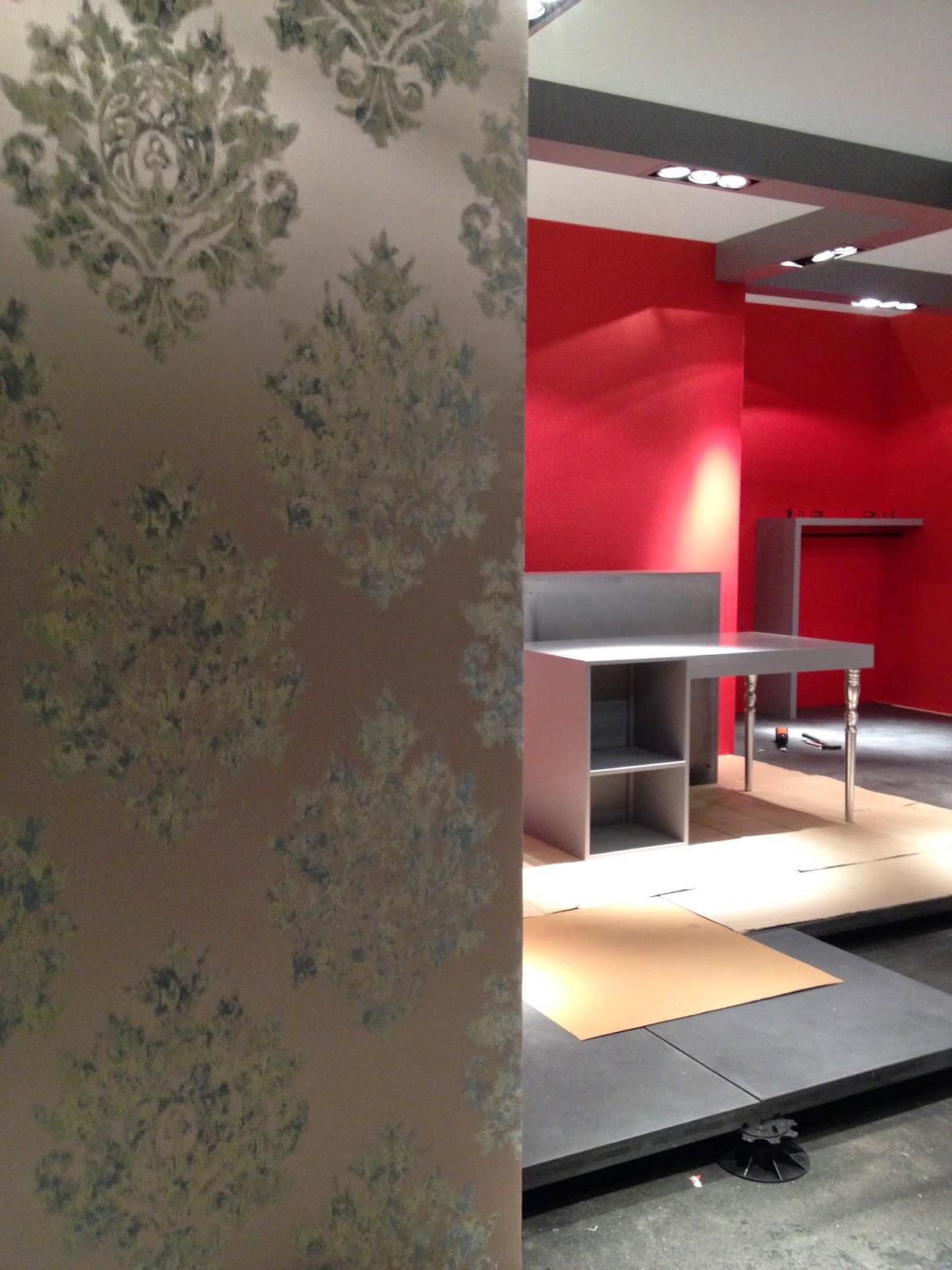 atelier et comptoir du tapissier tenture murale tissu tendu sur cloisons bois. Black Bedroom Furniture Sets. Home Design Ideas