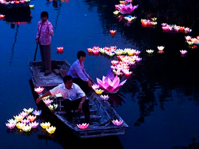 Farolillos de agua Festival del fantasma