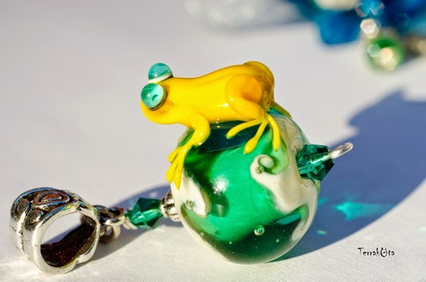 yellow frog jewelry work