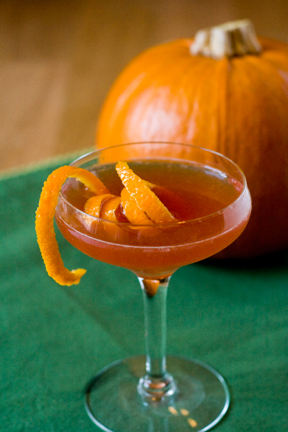 The Vintage Reader: Vintage Happy Hour with Jenny Q: Satan's Whiskers