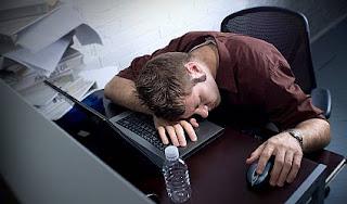 احذرمن جلطة الكمبيوتر sleeping_at_computer
