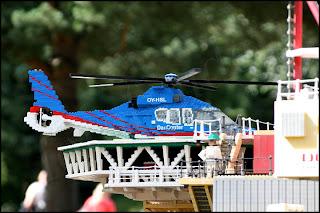 Helikopter på oljeplattform