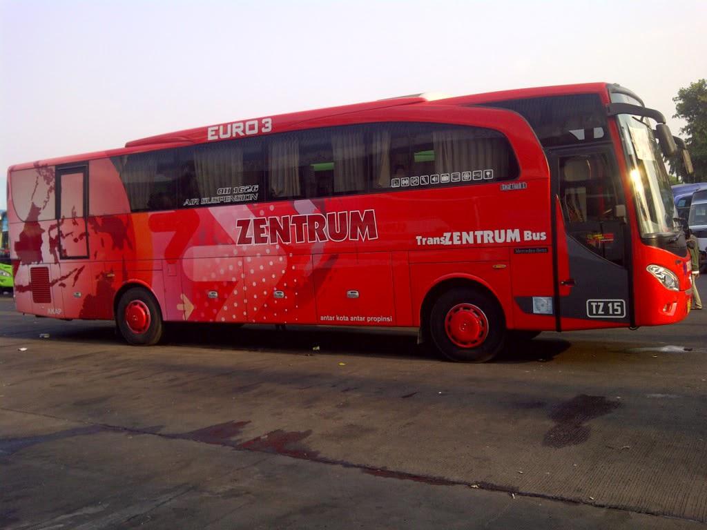 Bus Zentrum Merah Terbaru