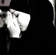 Meremehkan Hijab dan Hukum Wanita Yang Tidak Berjilbab dalam Islam