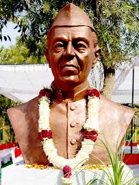 Pt. Nehru Sculpture