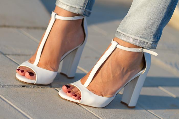 Sandalias T-Bar Blancas de Zara