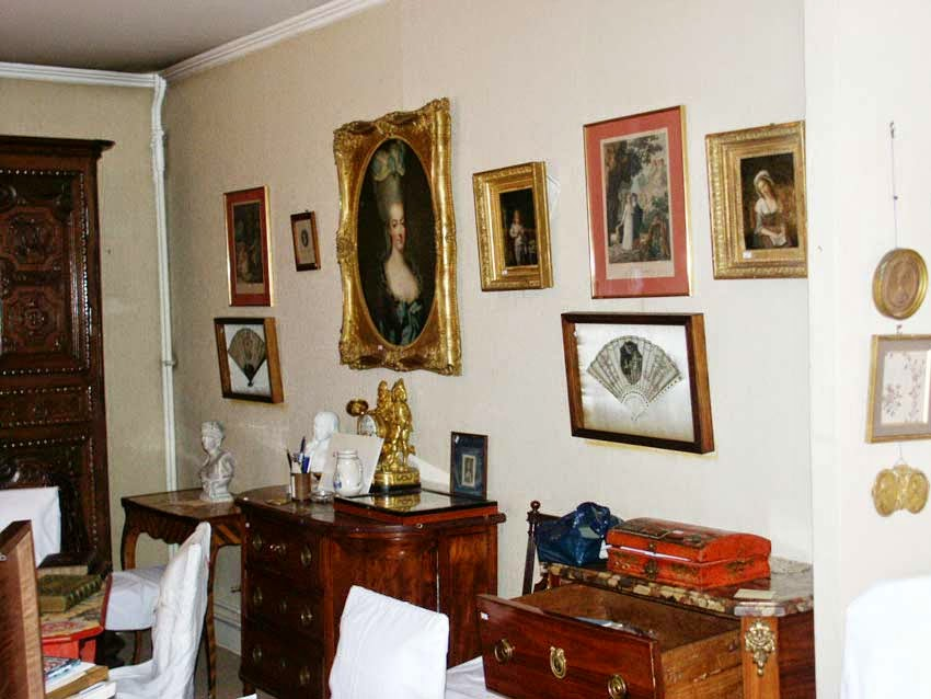 But How Extraordinary To See Photos Of Them Jumbled Together In True  18th Century Style In M. Bancelu0027s Home!. (Photos From The Website Musée Louis  Xvii.)