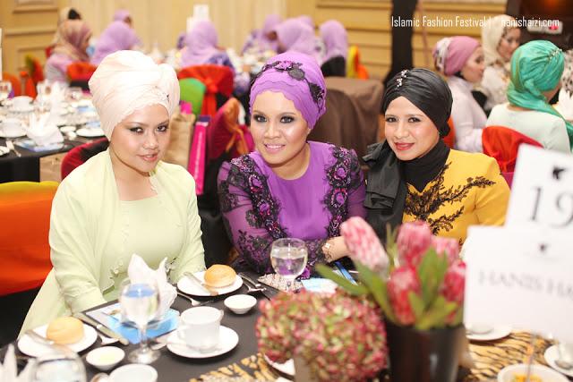 http://1.bp.blogspot.com/-YN30Yc9ivQ0/UKu9L3iLyeI/AAAAAAAAK2A/OEBcA_ueklg/s1600/islamic-fashion-festival-hanis-haizi-007.jpg