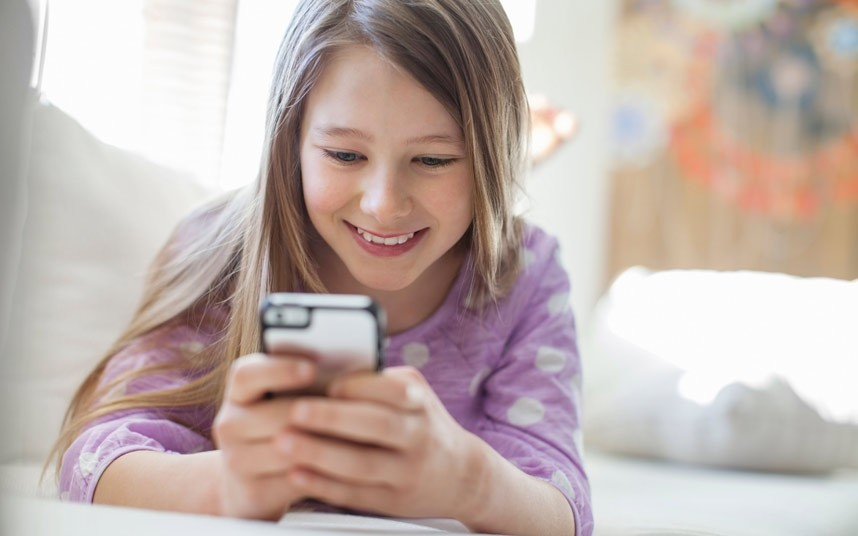 Trending Tweens: How Kids are Using Social Media - infographic