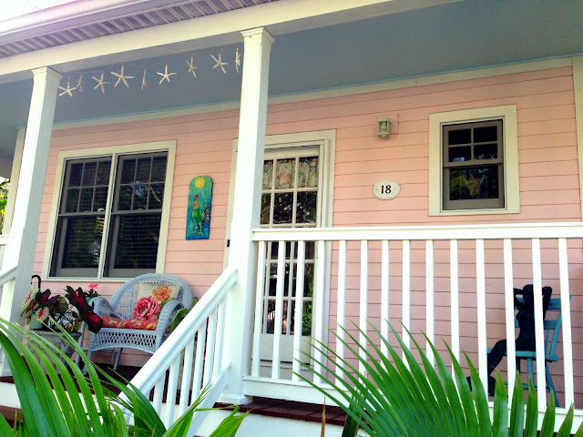 This KW Golf Club Homeu0027s Blue Porch Ceiling Provides The Perfect Backdrop  For Starfish Accents