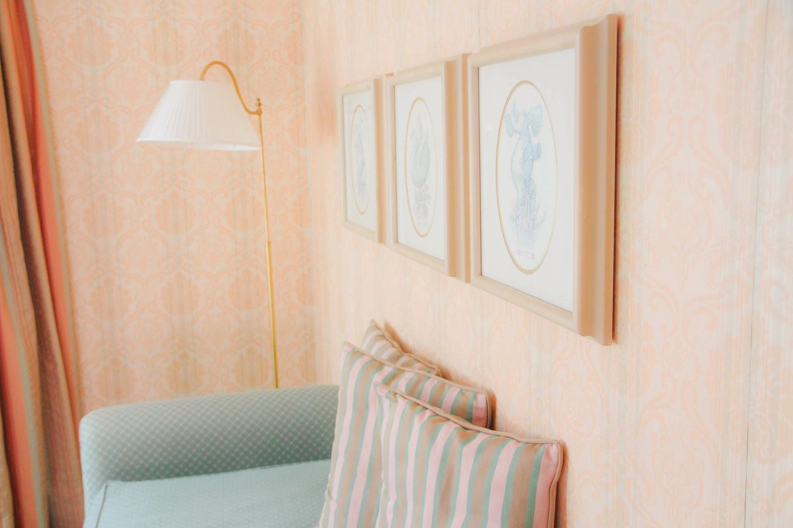 Chambre Disneyland Hôtel rose