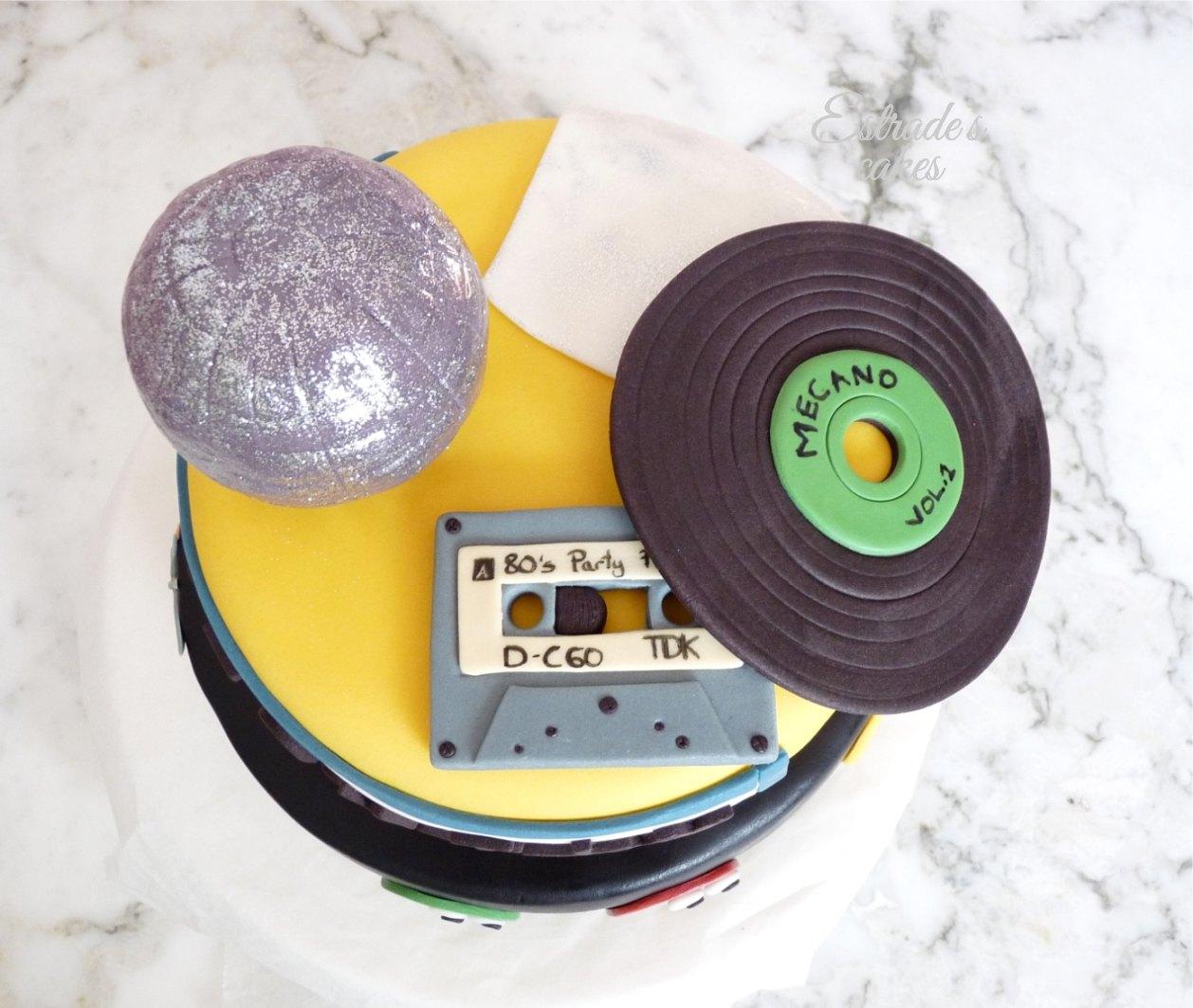 Estrade 39 s cakes una tarta muy de los a os 80 for Decoracion 80 anos ipuc
