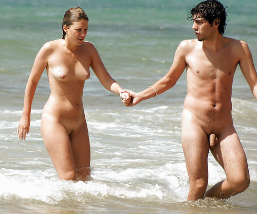 голые парочки на пляже фото