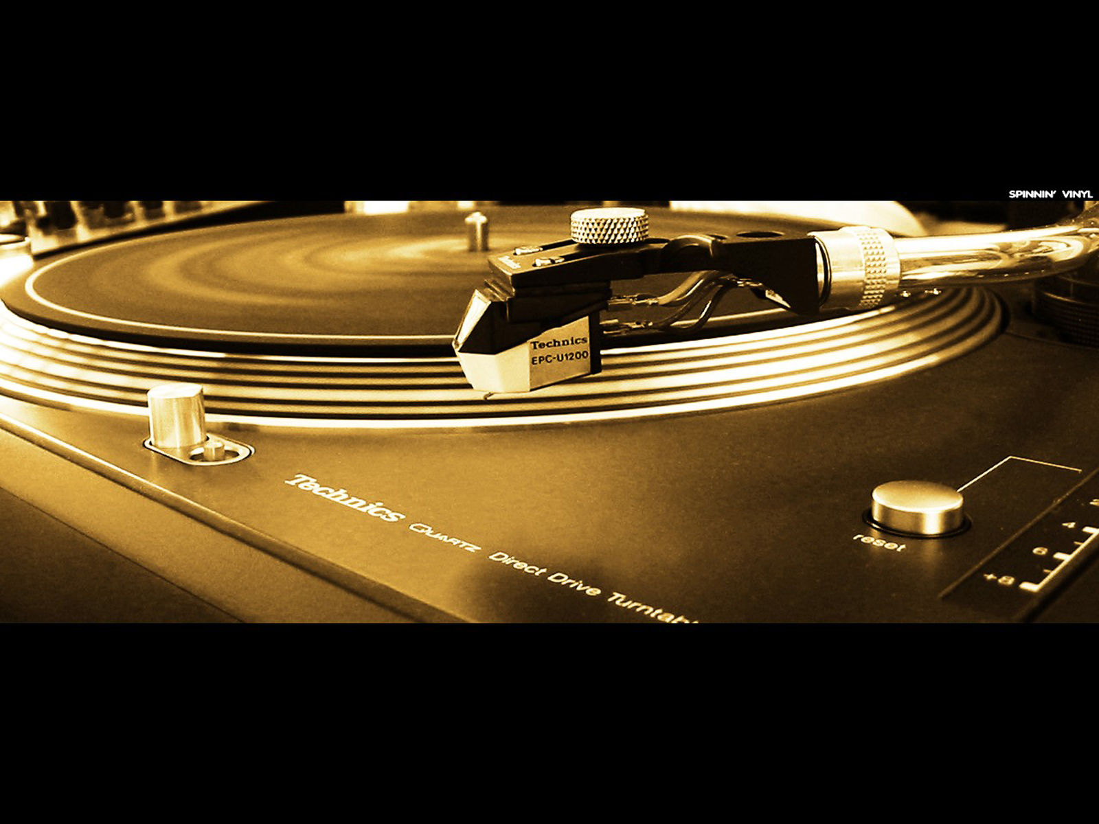http://1.bp.blogspot.com/-YN_1ysGmgDU/Too8CAHAv5I/AAAAAAAABdY/Nrr5fSyltk0/s1600/DJs_Turntable_Vinyl_HD_Music_Reccord_player_Wallpapers_Vvallpaper.net.jpg