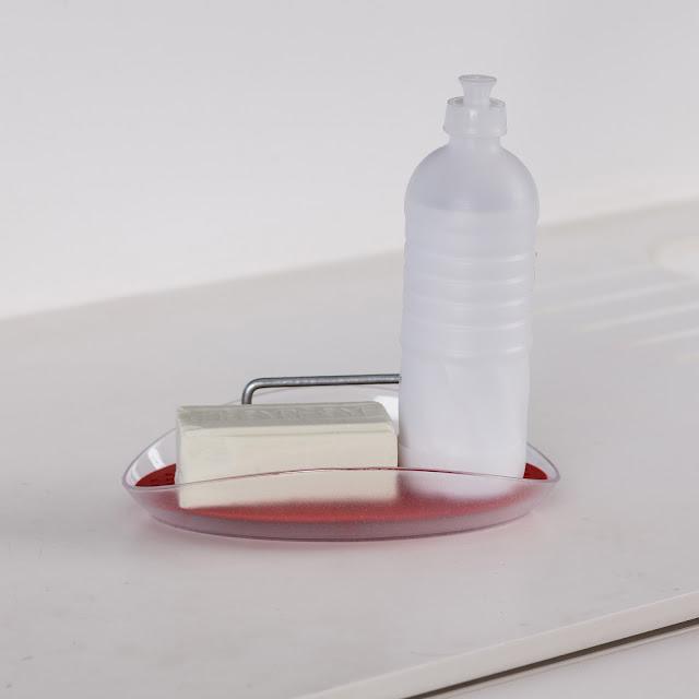 Dispenser para detergente e esponja
