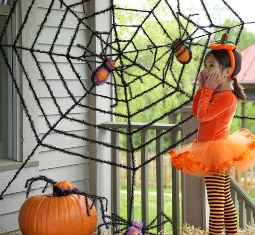 http://www.amazon.com/Giant-Spider-Spiders-Halloween-Decoration/dp/B00CONW1JY/ref=as_sl_pc_ss_til?tag=las00-20&linkCode=w01&linkId=QKBETQKYEUHA4XCB&creativeASIN=B00CONW1JY