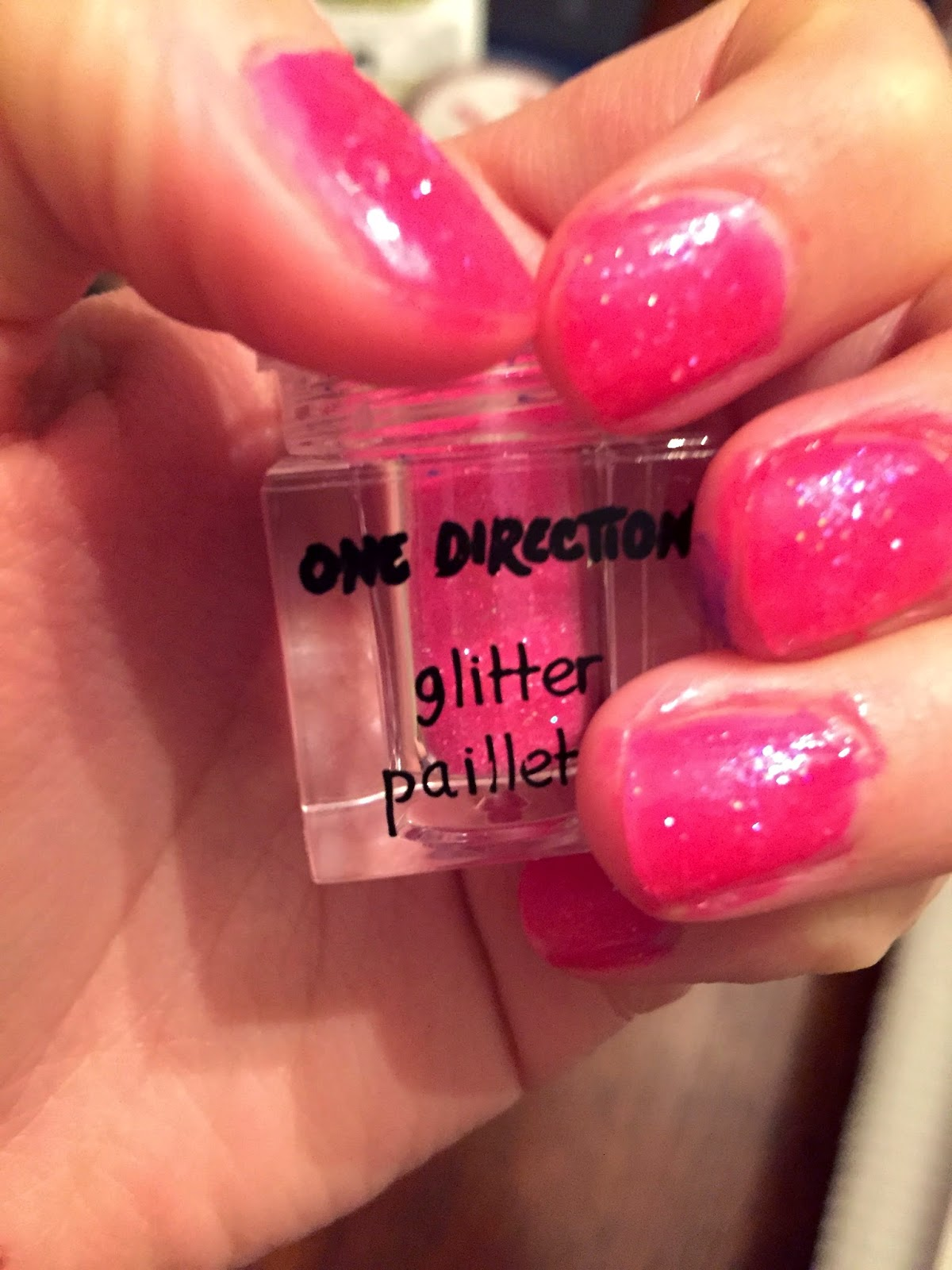 pink-sparkle-for-nails-1d