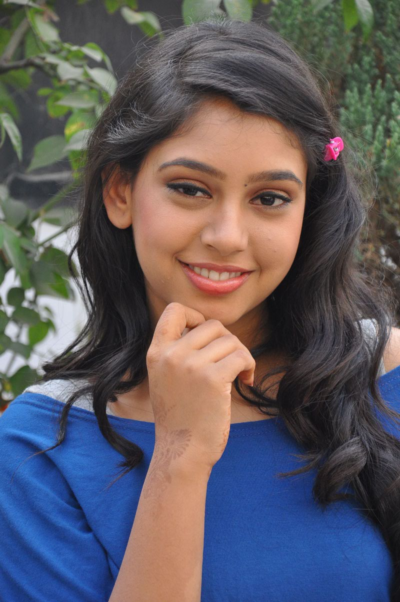 Neethi Taylor at Pellipusthakam Pressmeet