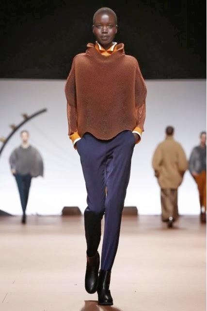 Issey-Miyake, Issey-Miyake-womenswear, Issey-Miyake-fall-winter, fall-winter-womenswear, fashion, fashion-week, paris-fashion-week, mercedes-benz-fashion-week, du-dessin-aux-podiums, dudessinauxpodiums, blog-mode, fashion-blog, Miyake-Perfume, Eau-Issey, Miyake-Florale, Mens-Issey, Miyake-Parfume, Leau-Dissey, issey-miyake-perfumes, issey-miyake-hombre, eau-issey-miyake, fashion-dress, miyake-issey
