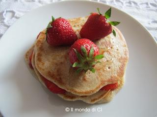 Pancakes semiintegrali con fragole